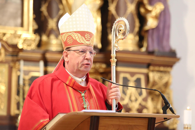 Nagyheti, húsvéti püspöki szentmisék, szertartások
