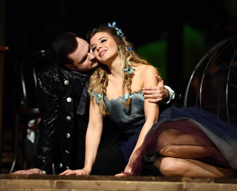 Valentin-napi műsoron az Acis és Galatea